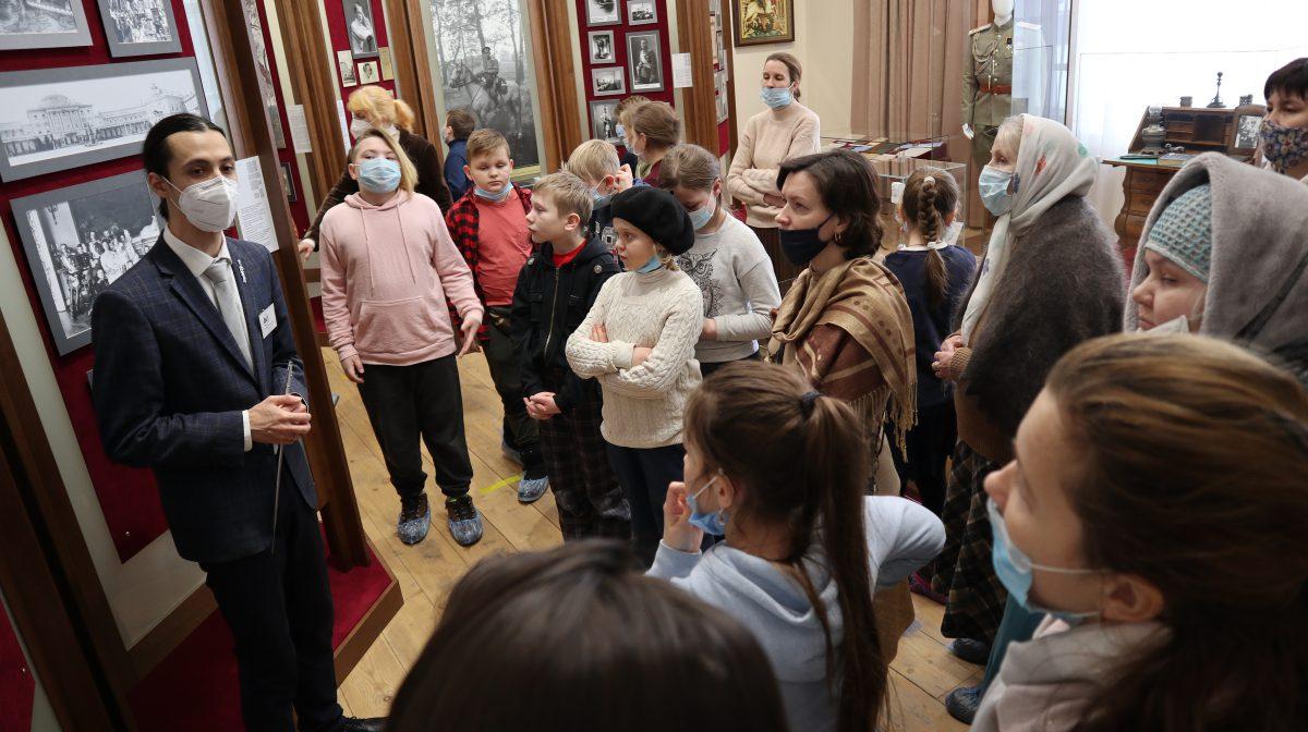 28 февраля музей посетили педагоги и учащиеся Пермской православной классической гимназии.